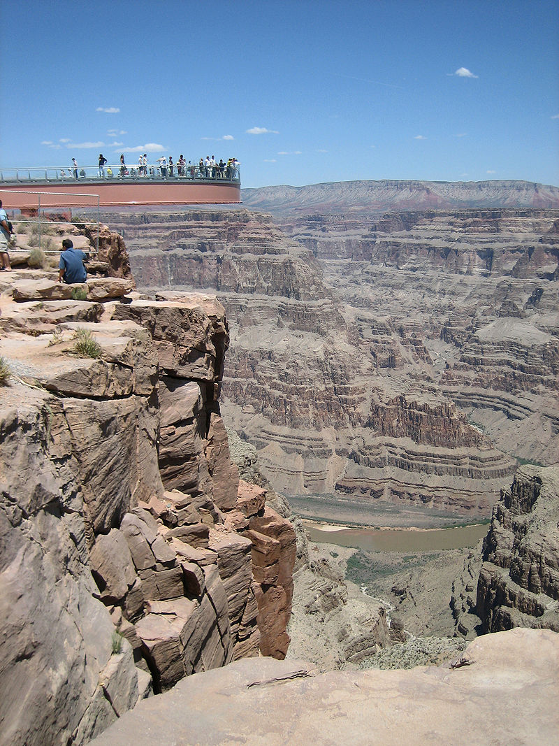 800px-Skywalk_grand_canyon